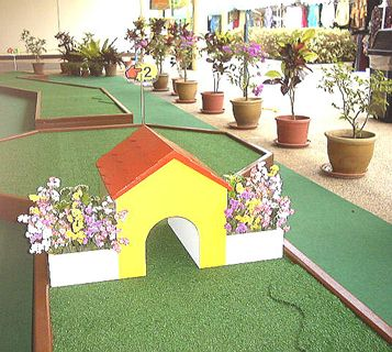 miniature golf par 1 entrance
